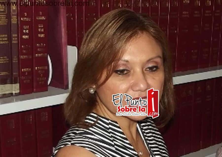 Alondra Herrera utiliza el Icatqroo para su beneficio personal