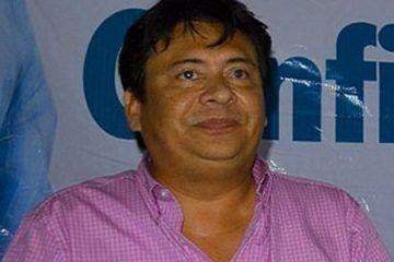 """El bocón, inútil y nefasto líder de la Sección XXV del SNTE insiste en """"chamaquear"""" al Gobernador Roberto Borge"""