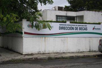 Más de 2 millones de pesos adeudan en el pago de becas escolares la SEyC en Quintana Roo