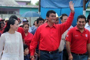 El presidente municipal de Bacalar, Chepe Contreras, rompe estigmas