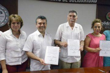 Mauricio Góngora signa convenio a favor de la salud