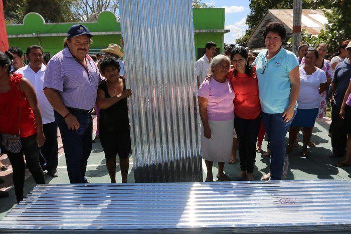 Entrega el municipio 45 mil láminas de zinc