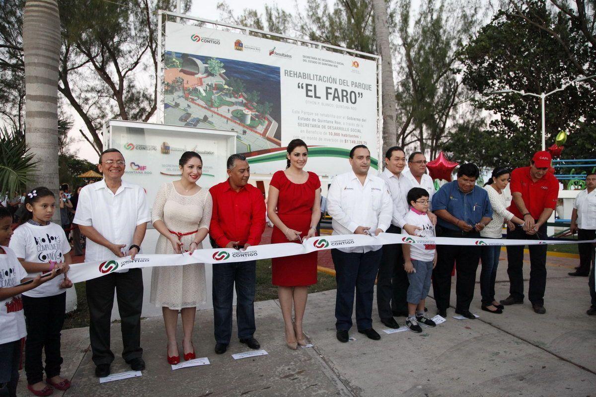 """Inaugura el gobernador el renovado parque """"el faro"""""""