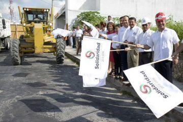 Mauricio Góngora cumple con obras de pavimentación a solidarenses