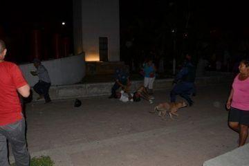 Policia municipal desaloja a manifestantes al amparo de la noche