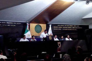 Entrega gobernador Fernando Ortega Bernes V Informe de Gobierno a la LXI Legislatura
