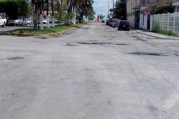 La pavimentación y bacheo de calles en la capital; asignatura pendiente