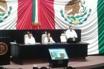 Cumple Roberto Borge con los Quintanarroenses al rendirle cuentas a la población