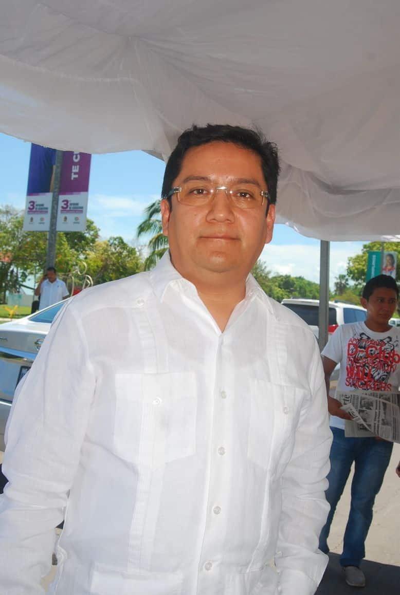 Elmer Paredes Quintana Notario Publico