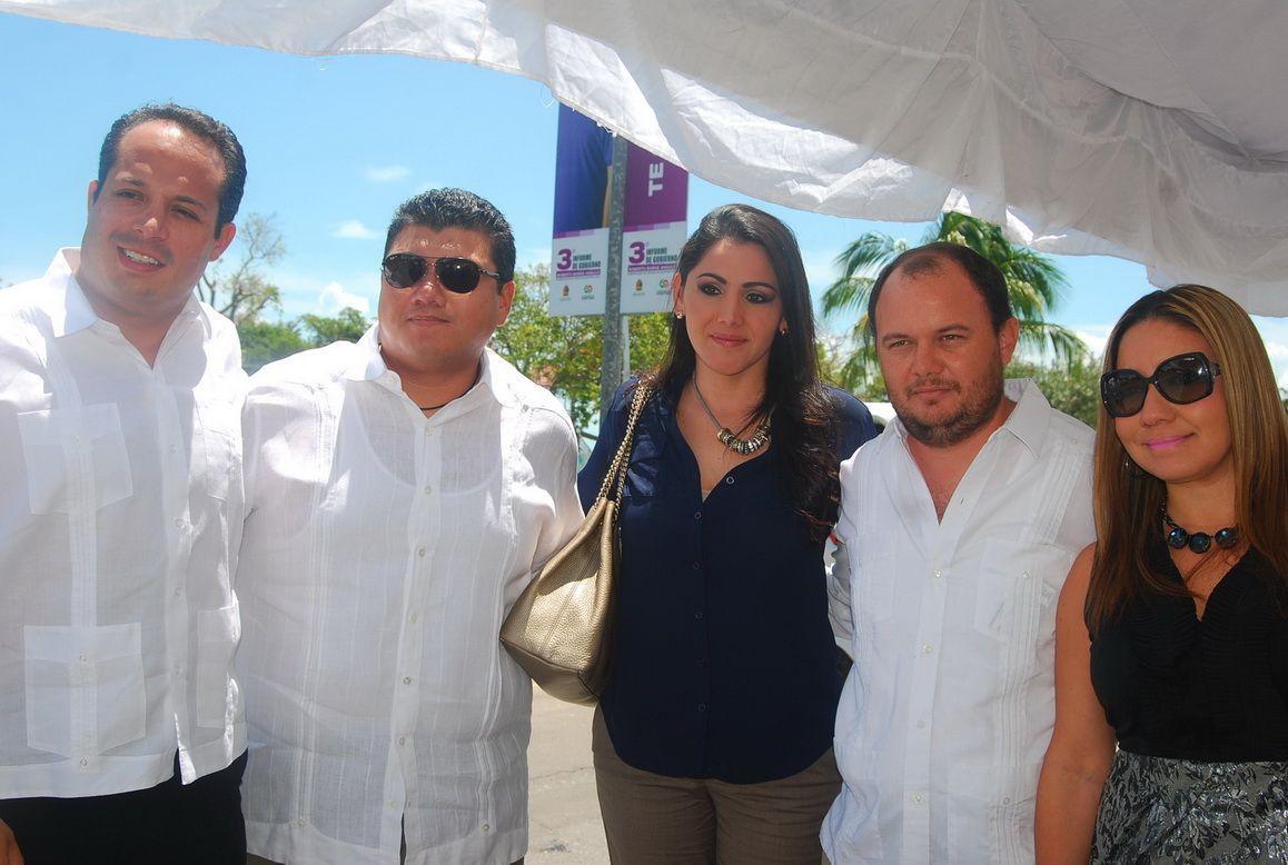 Edgardo Monscada, Rolando Mello, Sammy Montemayor, Heyden Cebada y Fabiola Villanueva.