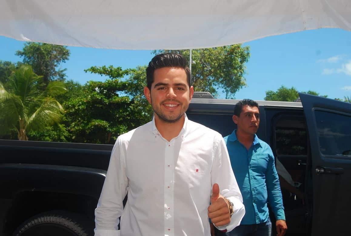 José Alberto Gómez Millar representante del periódico Que Quintana roo se Entere.