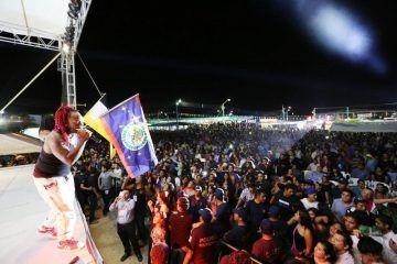 Más de 5 mil asistentes disfrutaron del espectáculo de Lova Boy