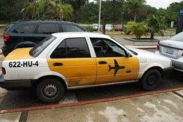 Se agudiza crisis de transporte en el Aeropuerto Internacional de Chetumal