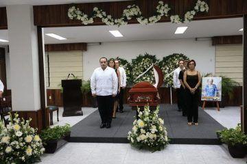 """Funeral de Estado para """"Doña Toñita"""", pilar indiscutible del Quintana Roo que hoy gozamos"""
