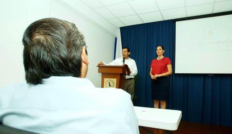 Enriquecen propuesta para fortalecer servicios médicos