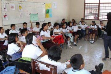 No Se Suspenden Las Clases En Quintana Roo: Mendicuti Loría