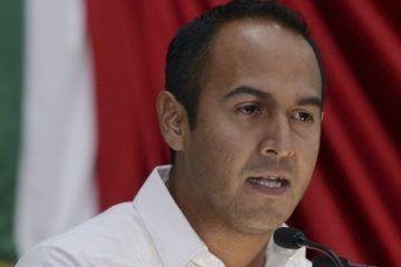 """Juan Carrillo presume que la campaña en su contra es """"Fuego amigo"""""""