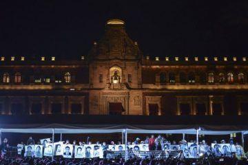 El gobernador Ángel Aguirre pide licencia a su cargo por el caso Ayotzinapa