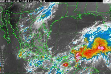 En este momento, el centro de presión minima de la Depresión Tropical No. 9, se ubica muy cerca de la costa de Campeche