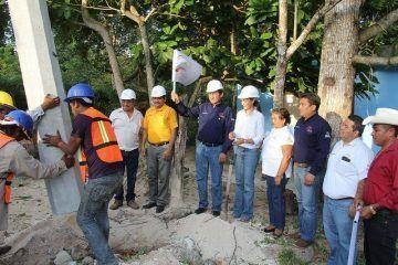 Ampliarán red eléctrica del poblado de Lázaro Cárdenas en Bacalar