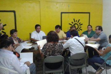 Inicia el dirigente del PRD recorrido por los 10 municipios del Estado.