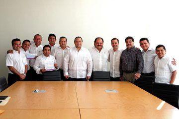 Asiste Mauricio Góngora a reunión de presidentes municipales y delegados federales