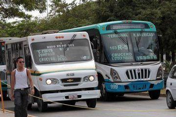 """Concesionarios del transporte urbano de Cancún entregan su """"Carta a Santa Claus"""""""