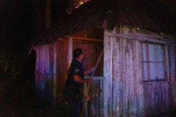 Vándalos queman caseta de vigilancia en balneario de Bacalar