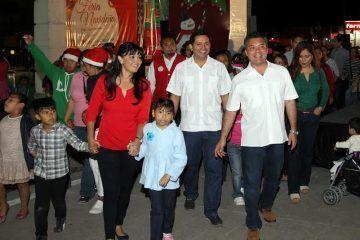 Familias solidarenses disfrutan la primera Feria Navideña Playa del Carmen 2014 que organiza el gobierno municipal