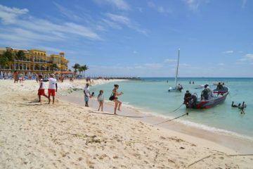 Perfilan adelantar el reloj una hora en Quintana Roo
