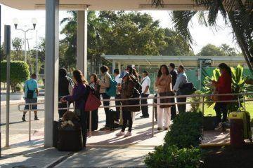 Mala imagen genera a Quintana Roo el pésimo servicio de transporte público del Aeropuerto de Chetumal