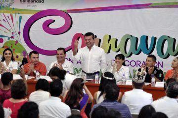 """Anuncia Mauricio Góngora Carnaval Playa del Carmen 2015, """"con alegría de corazón"""""""