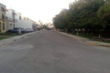 """Por """"Ojetes"""", habitantes del Fraccionamiento Sian Kaan II, prohíben el paso a personal de Telmex"""