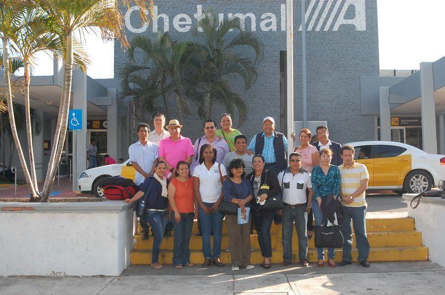 Asunción Encarnación y Renan Góngora ORIGEN: Chetumal Quintana Roo DESTINO: México Distrito Federal MOTIVO: Despidieron a un grupo de médicos que participaron en el Congreso de Hematología del grupo Ghemas.