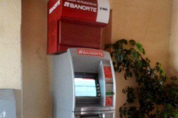 """Frustran robo a cajero de """"Banorte"""" en la Héroes de Chetumal"""