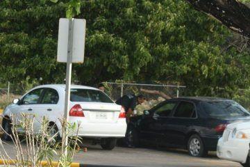 """Chinos """"beliceños"""" abandonan bolsa de caracol en Aeropuerto de Chetumal"""