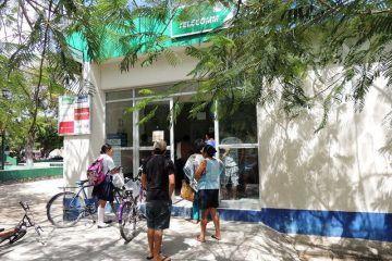 A falta de bancos, Telecom hace de las suyas en Tulum