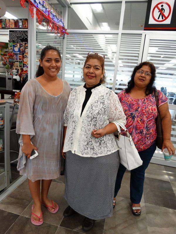 Sara Chuc ORIGEN: Chetumal Quintana Roo DESTINO: México Distrito Federal MOTIVO: se va por un mes de vacaciones lo despidieron Valery Rivero y Gloria Chuc.