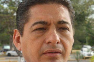 Issste Quintana Roo prepara académicamente a su personal: Carlos Hernández