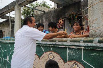 Reciben Con Gran Entusiasmos Cozumeleños A Nivardo Mena Villanueva