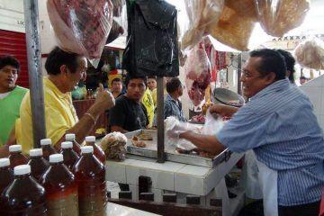 El perredista Mingo Flota recorre colonias de Carrillo Puerto