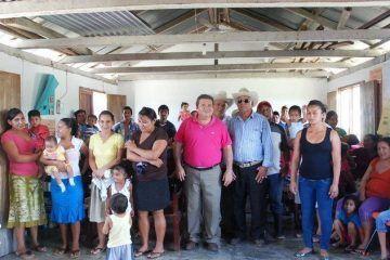 Compromiso de atención directa, morcilloAmplio recorrido por comunidades, en arranque de campaña