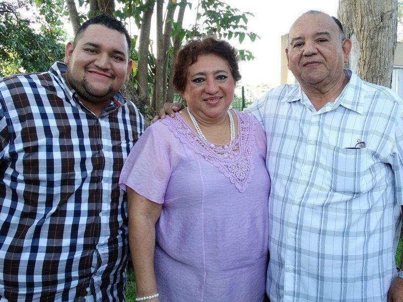 Víctor Hugo Ortiz Ramos, Daysi Ramos de Ortiz y Spiro Ortiz Yeladaqui