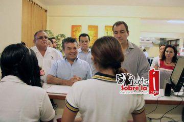 Mauricio Góngora comprometido con la educación