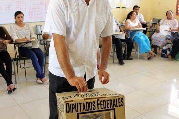 Vota Juan Parra Lopez presidente municipal de JMM