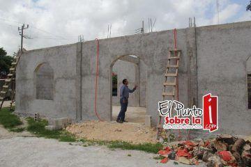 """Supervisa """"Chepe"""" Contreras construcción de refugio anticiclónico en Altos de Sevilla"""