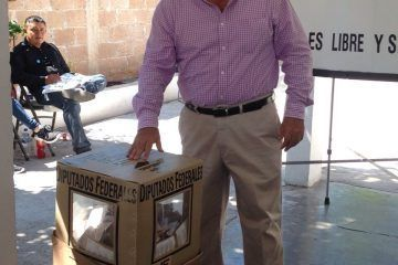 Vota Andrés Ruiz Morcillo candidato independiente distrito 02