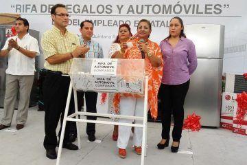 El gobierno del estado rifó automóviles y electrodomésticos entre sus 13,040 empleados