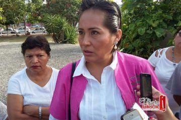 Empleados del sector salud en Cancún protestan por la posible conversión de la universalidad de servicios médicos