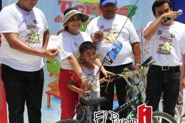 """Diputada Maritza Medina premia II torneo de pesca infantil """"Captura y Libera"""""""